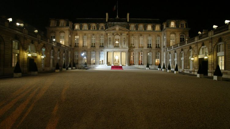 Vue du palais de l'Elysée, à Paris, le 16 février 2004. (THOMAS COEX / AFP)