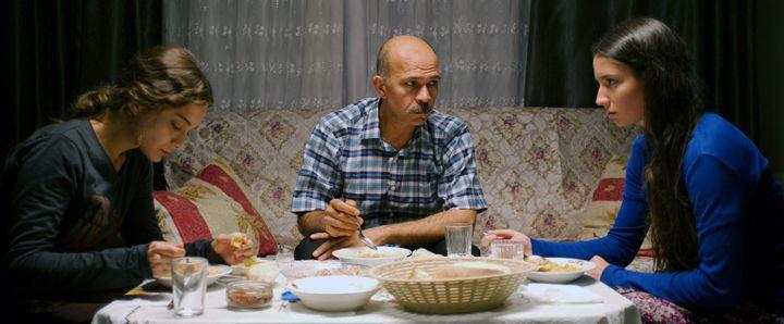 "Damla Sönmez, Elit Iscan et Emin Gürsoy dans ""Sibel"" de Çağla Zencirci et Guillaume Giovanetti  (Pyramide Distribution)"