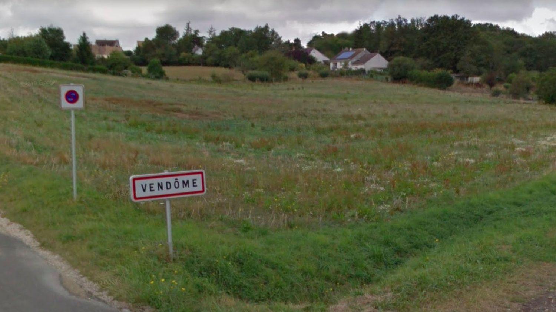 Le groupe LVMH rachète le nom de la commune de Vendôme, dans le Loir-et-Cher - Franceinfo