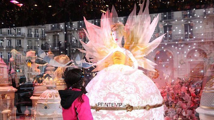 150 ans que les vitrines du Printemps Haussmann font rêver les enfants à la période de Noël