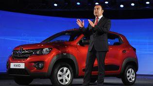 Carlos Ghosn, PDG de Renault, présente la Kwid, à Chennai (Inde), le 20 mai 2015. ( AFP )
