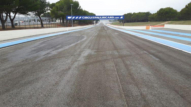 Le circuitPaul-Ricard au Castellet, dans le Var, doit être intégralement rénové pour accueillir le Grand Prix de France de Formule 1 en juin 2018. (GUILLAUME BATTIN / RADIOFRANCE)