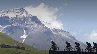 La vallée de la Maurienne (Savoie) veut attirer de plus en plus de cyclistes pour faire face à l'absence de neige. (CAPTURE ECRAN FRANCE 2)