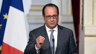 Le président de la République, François Hollande, s'exprime à l'Elysée, le 3 septembre 2015. (ALAIN JOCARD / AFP)