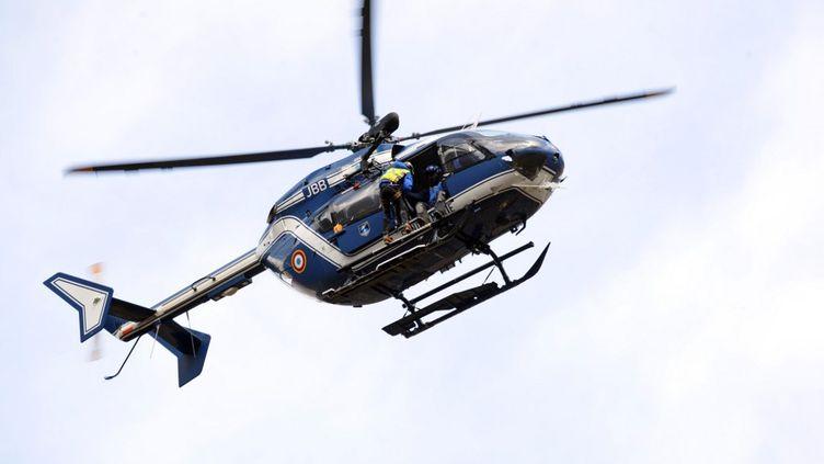 Un exercice de sauvetage réalisé par lespelotons de gendarmerie de haute montagne (PGHM) àBagnères-de-Luchon (Haute-Garonne), le 23 février 2016. (photo d'illustration) (REMY GABALDA / AFP)