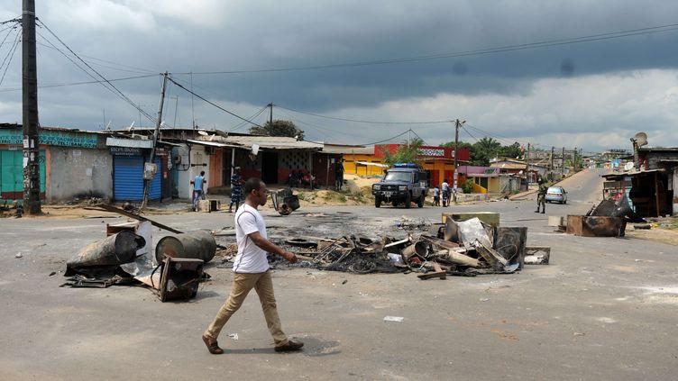 Libreville, au lendemain de l'annonce du résultat de la présidentielle, donnant le président sortant Ali Bongo réélu (JOEL BOUOPDA/AP/SIPA / AP)