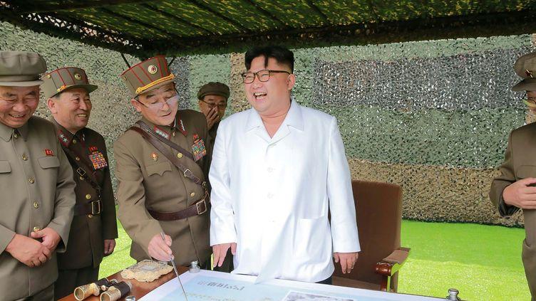Une photo dudirigeant nord-coréen Kim Jong-un non datée, diffusée le 6 septembre 2016. (KCNA VIA KNS / AFP)