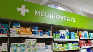 """Les pharmaciens confrontés à la crise du coronavirus en manque de reconnaissance alors qu'ils """"font le job !"""" (illustration). (ADÈLE BOSSARD / FRANCE-BLEU DRÔME-ARDÈCHE)"""