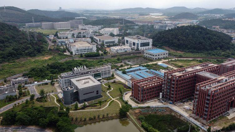 Le campus de l'Institut de virologie de Wuhan, en Chine, le 27 mai 2020. (HECTOR RETAMAL / AFP)