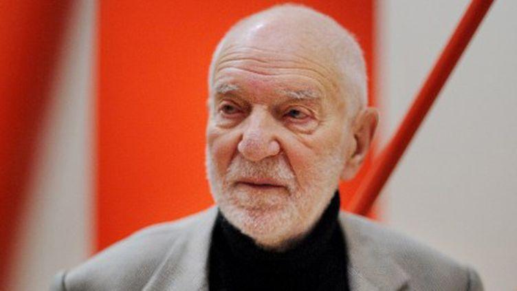 Le sculpteur britannique Anthony Caro en 2011  (BEN STANSALL / AFP)
