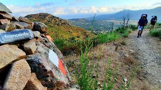 Quasiment à l'extrêmité nord-ouest de l'île de Beauté, Calenzana, sur les hauteurs de Calvi, marque le début du mythique GR 20. Les randonneurs le parcourent en moyenne en quinze jours, les plus aguerris en cinq ! (BENJAMIN ILLY / RADIO FRANCE)