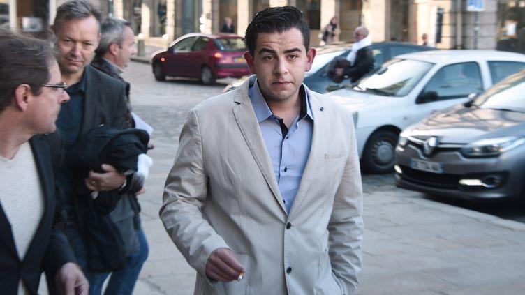 Jonathan Delay, partie civile au procès de Daniel Legrand, à son arrivée à la cour d'assises des mineurs de l'Ille-et-Vilaine à Rennes le 19 mai 2015. (DAMIEN MEYER / AFP)