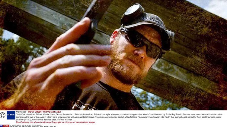 L'ancien sniper américain Chris Kyle lors d'une séance de tir (lieu et date non précisés). (REX/SIPA)