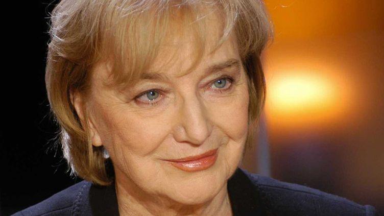 """Christine Arnothy en janvier 2004 dans l'émission """"Vol de Nuit"""", sur TF1  (Chevalin / Vol de Nuit / Sipa)"""