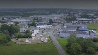 La commune de Lannion (Côtes-d'Armor) ne connaît pas la crise : le taux de chômage y est actuellement de 7,3%. Les entreprises de la ville recrutent à tour de bras. (FRANCE 2)