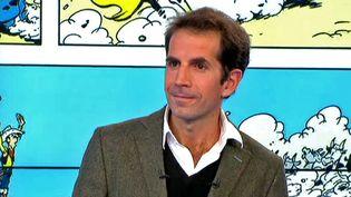 Jul, nouveau scénariste de Lucky Luke sur le plateau du Soir 3  (Capture d'écran France 3)