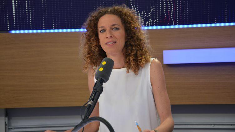 Charlotte Girard, coresponsable du programme de La France Insoumise, invitée de franceinfo jeudi 15 juin. (RADIO FRANCE / JEAN-CHRISTOPHE BOURDILLAT)