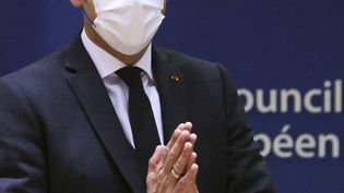 Emmanuel Macron lors du Conseil européen à Bruxelles (Belgique), le 21 octobre 2021. (YVES HERMAN / POOL / AFP)