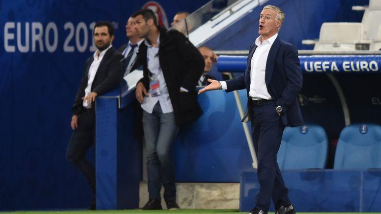 Didier Deschamps lors du match France-Albanie à Marseille, le 15 juin 2016. (BERTRAND LANGLOIS / AFP)