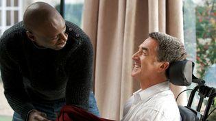 """Omar Sy et François Cluzet à l'affiche d'""""Intouchables""""  ( Gaumont Films)"""