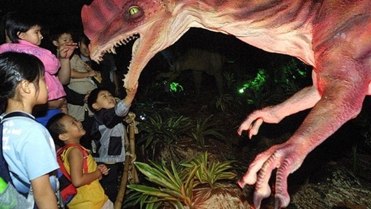 Dinosaure du Jurassic dans un parc d'attractions en Chine. (AFP/Ted ALJIBE)