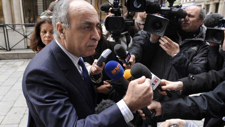 Ziad Takieddine à la sortie du pôle financier du tribunal de grande instance de Paris, le 24 avril 2012. (BERTRAND GUAY / AFP)