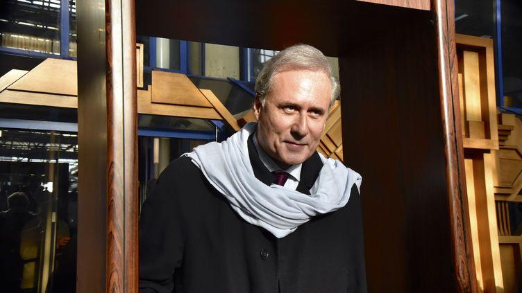 Georges Tron quitte le tribunal de Bobigny (Seine-Saint-Denis), le 12 décembre 2017. (PATRICE PIERROT / CITIZENSIDE / AFP)