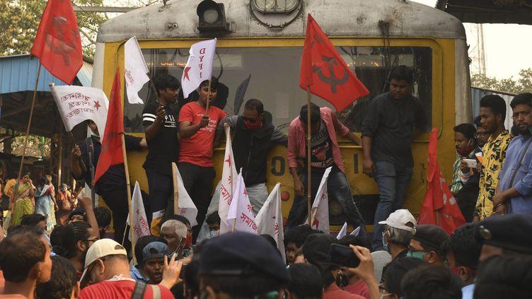 Une manifestation contre des réformes du secteur de l'agriculture en Inde (18 février 2021). (DIBYANGSHU SARKAR / AFP)