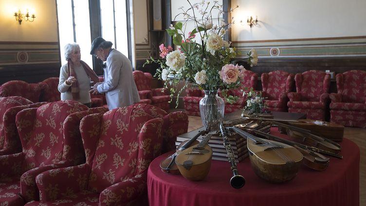 Des résidents de la Casa Verdi, maison de retraite pour musiciens, à Milan (13 février 2019)  (Miguel Medina / AFP)