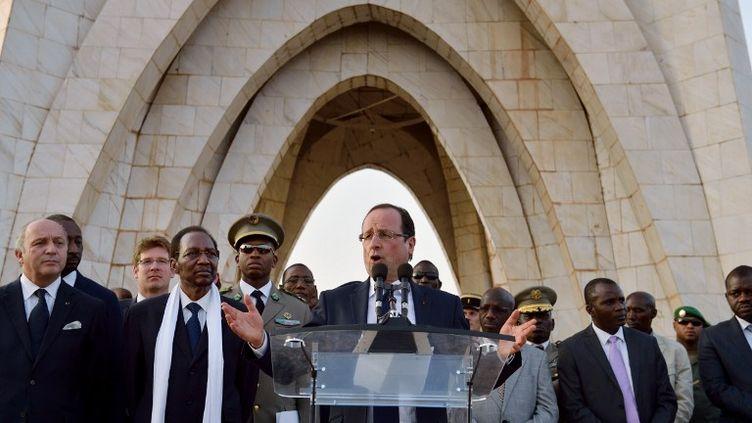 François Hollande lors de son discours à Tombouctou (Mali), le samedi 2 février 2013. (ERIC FEFERBERG / AFP)