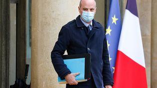 Le ministre français de l'Education, de la Jeunesse et des Sports, Jean-Michel Blanquer, quitte le palais présidentiel de l'Élysée, le 27 janvier 2021 à Paris. (LUDOVIC MARIN / AFP)
