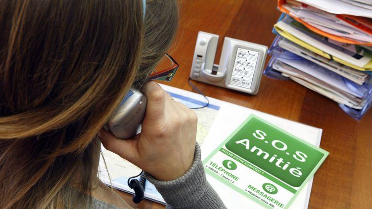 SOS Amitié a reçu 709 000 appels en 2011, soit 7% de plus qu'en 2010. (CHRISTOPHE LEHENAFF / PHOTONONSTOP / AFP)