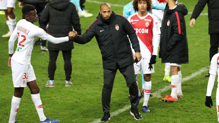 Thierry Henry, l'entraîneur monégasque, espère une grosse réaction de ses joueurs. (VALERY HACHE / AFP)