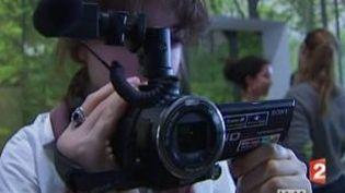 """Michel Gondry installe une """"Usine de films amateurs"""" au Centre George Pompidou  (Culturebox)"""