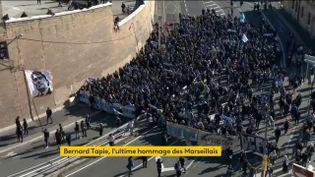 Des milliers de supporters de l'OM aux funérailles de l'homme d'affaires à Marseille (FRANCEINFO)