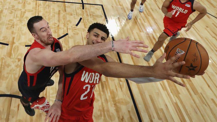 La NBA à l'heure du All Star Game entre les rookies américains et ceux du reste du monde (RONALD MARTINEZ / GETTY IMAGES NORTH AMERICA)