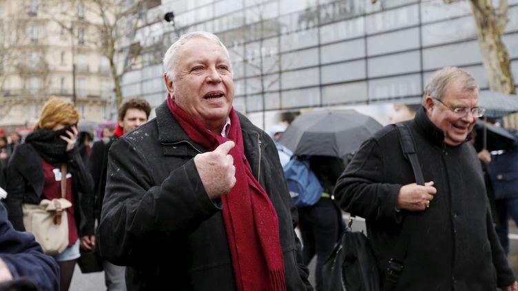 Gérard Filoche, membre du bureau national du Parti socialiste, manifeste contre le projet de loi relatif à la sécurisation de l'emploi, à Paris, le 9 avril 2013. (MAXPPP)