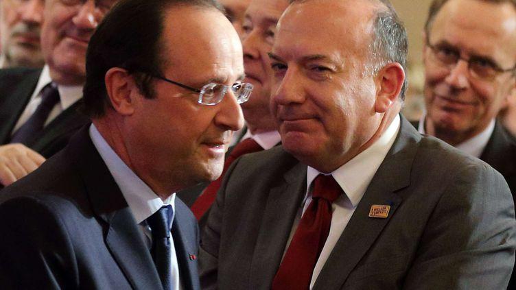 Le président français, François Hollande, et le patron du Medef, Pierre Gattaz, à l'Elysée, à Paris, le 21 janvier 2014. (PHILIPPE WOJAZER / AP / SIPA)