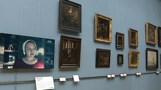 """La série """"The Handmaid's Tale"""" côtoie les tableaux des maîtres hollandais au musée des Beaux-Arts de Lille  (France 3 / Culturebox )"""