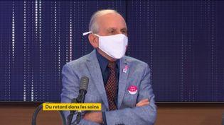 Le médecin, président de la Ligue nationale contre le cancer, généticien, Axel Kahn, invité de franceinfo le 24 octobre 2020. (FRANCEINFO / RADIOFRANCE)