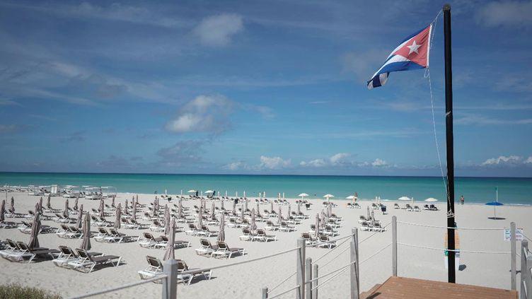 La plage de Varadero à Cuba, le 23 octobre 2020. (ALEXANDRE MENEGHINI / REUTERS)