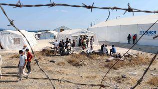 Un nouveau camp de réfugiés sur l'île de Lesbos, en Grèce, le 21 septembre 2020. (NICOLAS ECONOMOU / AFP)