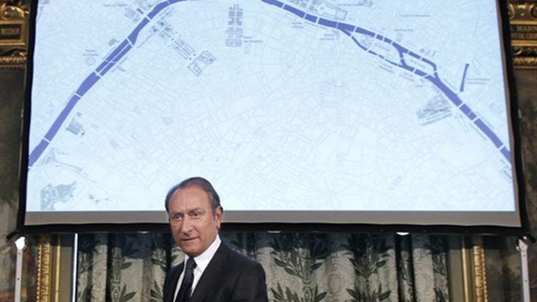Bertrand Delanoë, le maire de Paris, présente ses projets pour les berges de Seine (14/04/2010) (AFP/FRANCOIS GUILLOT)