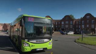 Le premier bilan de la gratuité des transports en commun à Dunkerque (Nord) montre une nette hausse de la fréquentation, et un nouveau dynamisme du centre-ville. (FRANCE 2)