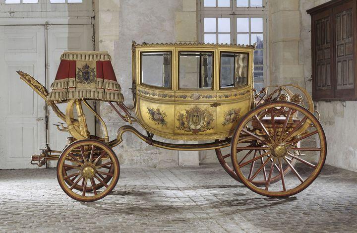 """Jean-Ernest-Auguste Getting (carrossier), Berline du cortège du mariage de Napoléon 1er dite """"La Victoire"""", vers 1804 (Versailles, musée national des châteaux de Versailles) (GÈRARD BLOT / RMN-GP / AGENCE PHOTO DE LA RMN-GP)"""