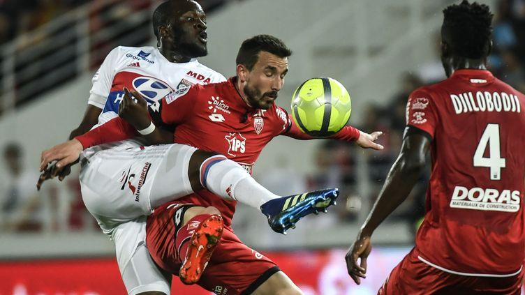 Lyon s'est régalé à Dijon (PHILIPPE DESMAZES / AFP)