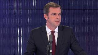 """Olivier Véran, le ministre des Solidarités et de la Santé était l'invité du """"8h30 franceinfo"""", jeudi 29 octobre 2020. (FRANCEINFO / RADIOFRANCE)"""