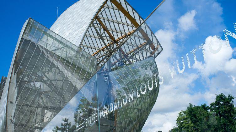 La façade de la Fondation Louis Vuitton, érigée dans le bois de Boulogne.  (Alberto Pezzali / NurPhoto)