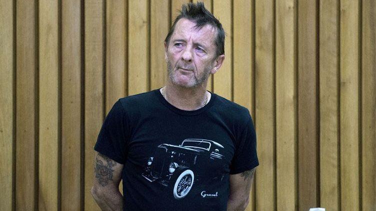 Le batteur d'AC/DC Phil Rudd au tribunal deTauranga, Nouvelle-Zélande, en novembre 2014  (Marty Melville / AFP)