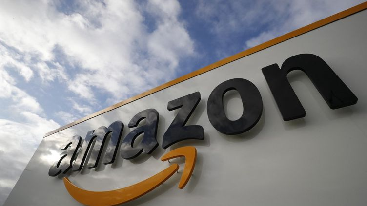 Un centre Amazon à Brétigny-sur-Orge (Essonne), le 28 novembre 2019. (THOMAS SAMSON / AFP)